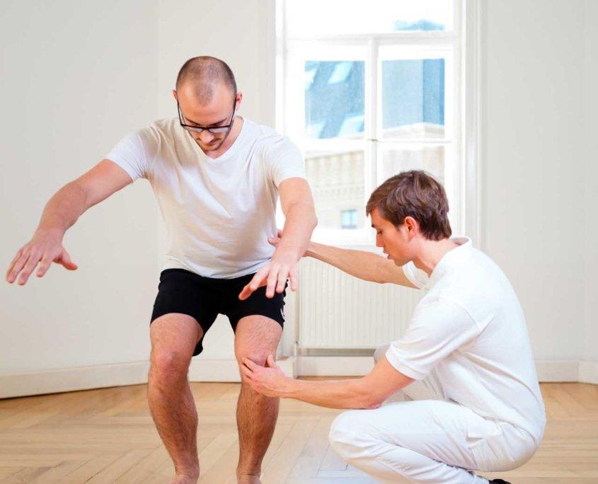 Stabilität und Gleichgewicht trainieren, Sportphysiotherapie bei Kinemedic - Praxis für physikalische und rehabilitative Medizin