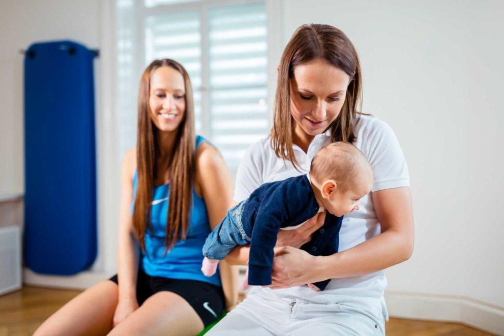 Wochenbettbetreuung bei Kinemedic - Praxis für physikalische und rehabilitative Medizin