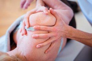 Manualtherapie Schulter bei Kinemedic - Praxis für physikalische und rehabilitative Medizin