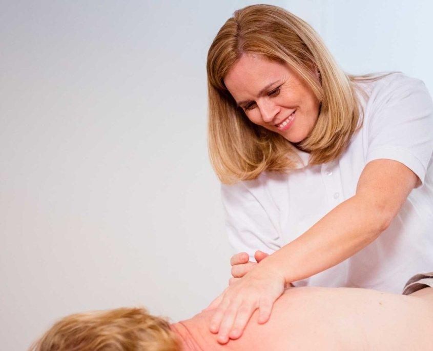 Heilmassage bei Kinemedic - Praxis für physikalische und rehabilitative Medizin