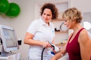 Stoßwellen-Therapie bei Kinemedic - Praxis für physikalische und rehabilitative Medizin