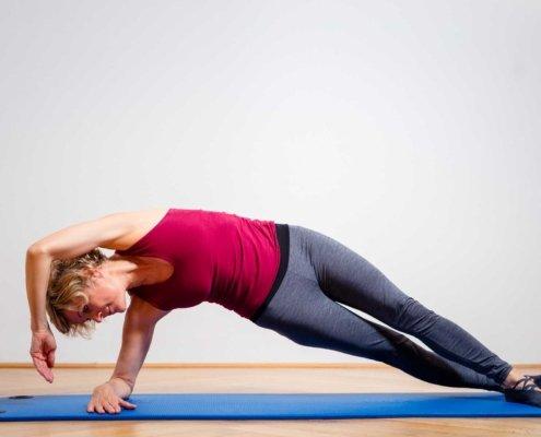 Pilates bei Kinemedic - Praxis für physikalische, orthopädische und rehabilitative Medizin.