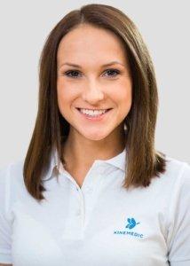 Paulina Haller ist Physiotherapeutin und Sportphysiotherapeutin i.A. bei Kinemedic - Praxis für physikalische und rehabilitative Medizin.